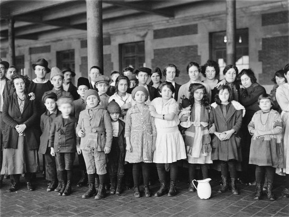 Immigrant children, Ellis Island, New York, circa 1908