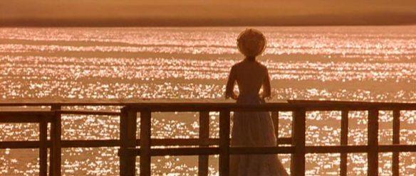 Ellen Olenska (Michelle Pfeiffer) in The Age of Innocence (1993)
