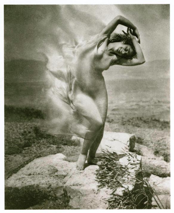 Wind Fire: Therese Duncan on the Acropolis, 1921