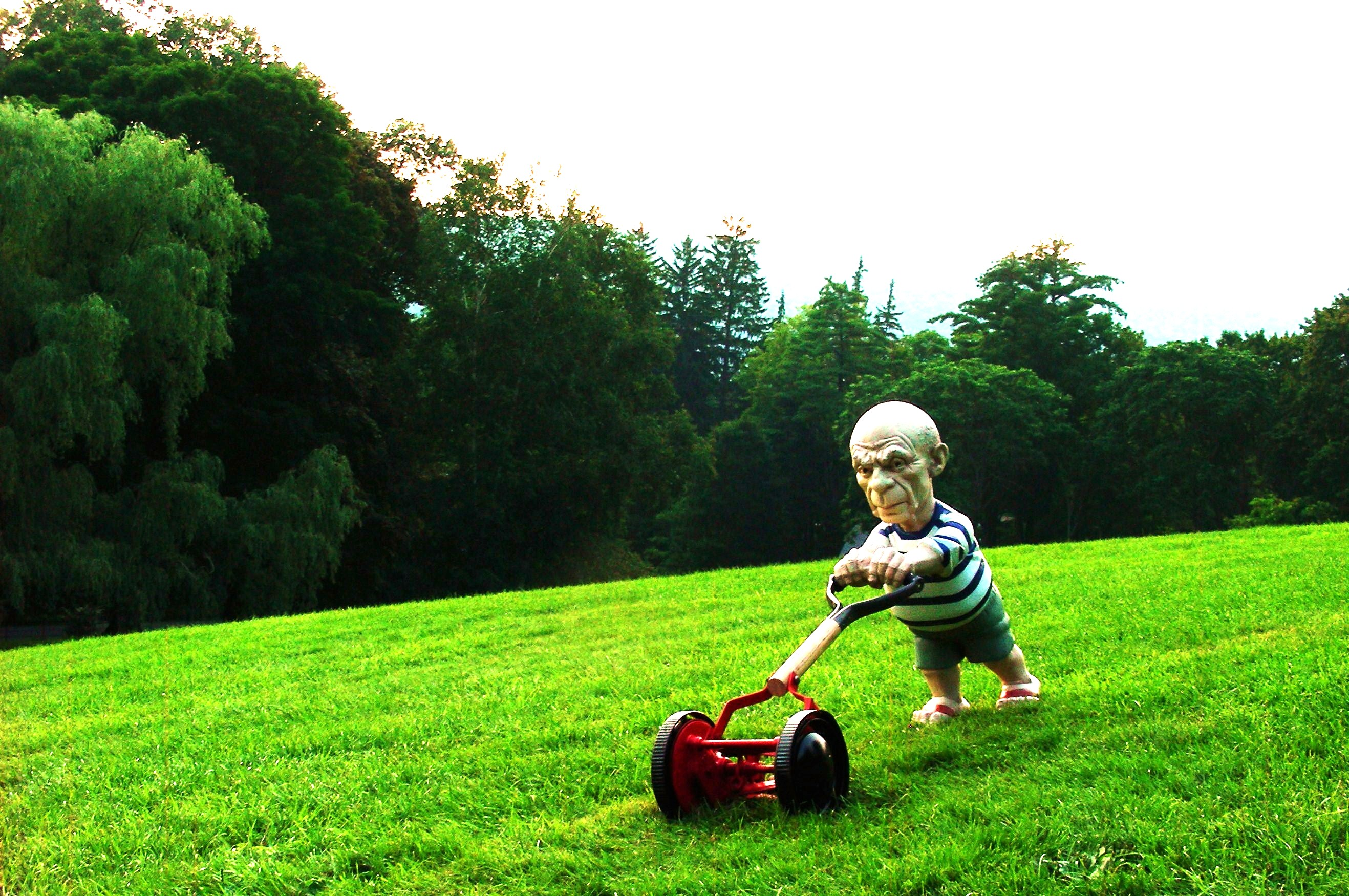 Sculpture By Elliott Arkin: Seedbed [Picasso Mowing The Lawn] (2009)